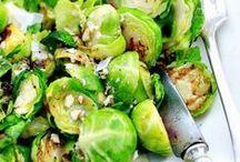 Légumes & Fruits d'Hiver / Une sélection de recettes de légumes d'hiver réconfortantes. Courge, carotte, pomme de terre... De quoi redonner un peu de couleurs à la grisaille hivernale, tout en se faisant plaisir. À préparer au coin du feu, à savourer sans modération, et à épingler comme vous le souhaitez.