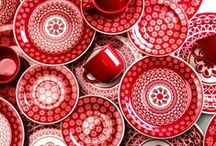 A Riot of Red / Light up your creative ideas with this mix of warm tones and shades of Red - from Rich Ruby and fiery Scarlett through to Deep plum red and smoky Garnet.