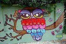 Coruja - Owl / A coruja simboliza a reflexão, o conhecimento racional e intuitivo. Na mitologia grega, Athena, a deusa da sabedoria, tinha a coruja como símbolo. A palavra inglesa para definir coruja é owl.  Enquanto todos dormem a coruja fica acordada, com os olhos arregalados, vigilante e atenta aos barulhos da noite. Por isso, representa para muitas culturas uma poderosa e profunda conhecedora do oculto. / by Nana Pinho