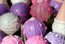 Cake Pop Inspiração  / by Nana Pinho