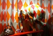 escaparates / Escaparates publicitarios, creativos, originales, divertidos, artísticos, geniales, coloridos, dinámicos...