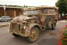 Autos und LKWs  - WW II vehicles & cars