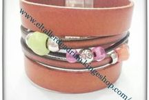 Diseños collares pulseras / collares y pulsera hecho a mano con materiales de zamak cueros, cordones diseñados por El Taller de Adrian