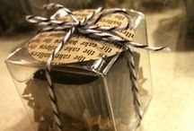 favors / cake balls and cake pops can be bagged, or boxed and even packaged to be gifted as a little personalized special treat for guests at your party, wedding, event and anyone basically that is on your list of rad people.
