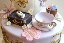 truskawkowe oraz różne ciasta / moja tablica jest o truskawkowym cieście oraz innych tortach.