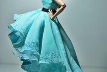 lalki w niebieskich sukienkach / o lalkach w niebieskich sukienkach