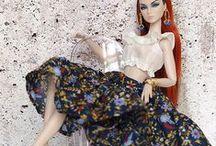 lalki w trenowych sukienkach / lalki w trenowych sukienkach