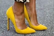 - Aux pieds !