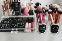 Makeup Artistry / Everything beauty & makeup related xo