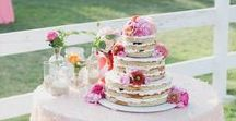 Naughty Naked Wedding Cakes / Less is definitely more with these naked wedding cakes!
