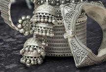 Touch of elegance / Desi Jewellery