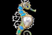 Faberge'/Bijoux /Lalique/Buccellati/Bulgari Jewellery / All are rare and shine through the normal