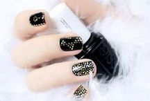 Elegant Nails / Elegant and classy mani for every lady out there.