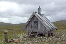 cabins & caravans / by Dianna Thomas