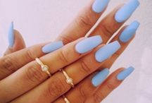nails / If my nails ever got long enough...