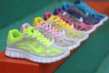 Nike Women / Abbigliamento sportivo donna