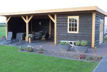 Overkappingen / Hemmes Tuin&Lifestyle is gespecialiseerd in de verkoop van Tuin&Lifestyle producten. Kortom bij ons staat het buitenleven centraal! U kunt bij ons terecht voor onder andere  Tuinverlichting (Lariks) overkappingen Sierbestrating Tuinhout Bloempotten Blokhutten Aluminium veranda's Wellness Barbecues Buiten spelen Maatwerk etc... We zijn gevestigd aan de krimweg 34 te Coevorden www.tuinenlifestyle.com