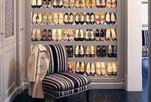 Shoe Closet / Um lugar onde nossos desejos estão materializados, nossos pensamentos fogem dos problemas e temos paz! Amamos nossos closets!