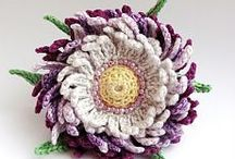 Crochet Accessories & Appliqué / Our finest picks of the smaller crochet elements for accessorizing your projects