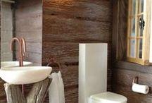 Nukkekoti  vessa / kodinhoitohuone / sauna / eteinen / piha
