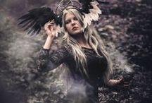 Headdress / FACEBOOK: https://www.facebook.com/Karonell-313261015543223/