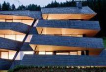 Tetti in rame in Trentino - Alto Adige / In Trentino  - Alto Adige ci sono edifici moderni con stupendi tetti e rivestimenti in rame e sue leghe. Eccone alcuni