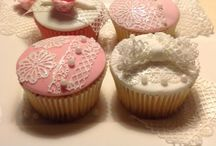 Cake lace on a cupcake! / By Ria