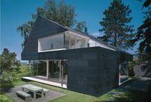 """""""Copper in Architecture"""" 2011 / Il concorso Copper in Architecture del 2011 è stato vinto dal progetto della Cappella di San Lorenzo a Vantaa (Finlandia), di Avato Arkkitehdit. In questa bacheca poi ammirare i finalisti e i progetti italiani che hanno partecipato."""
