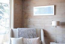 Living room / White walls