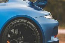 Porsche 911 Sports Cars / General information about the legendary Porsche 911 Carrera luxury 2 doors sports cars.