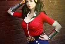 Wonderwoman Bombshell cosplay