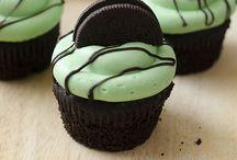 cupcake ideas / by Misty Barron