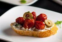 Crostini Recipe Ideas / Recipe ideas for crostini appetizers / by Flavour & Savour