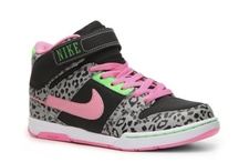 Shoe shopper.