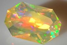 Gemstones & Jewels / Incredible natural and cut loose gemstones from around the web, as well as some of the most famous jewels around the world.