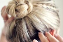 Fryzury ślubne / Tablica z całą masą inspiracji i zdjęć przepięknych pomysłów na fryzury ślubne.