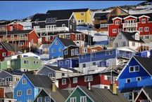 Coloured wooden houses / A new Greenlandic architecture has been emerging, shown in buildings which bear the hallmark of traditional Nordic design and charming colourful wooden houses.