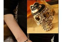 Jewellery- FASHION RINGS / Diamond Snake Ring, Gold Skull Ring and many more fashionable rings, for Indian women, on India 's leading online store StringsAndMe. Buy Now.