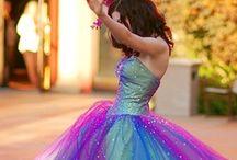 Stunning Dresses / by Philippa Thomas
