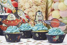 Astronauten/Weltall Party / Hier findet ihr süße Ideen, Pappgeschirr und Dekorationen für eure Weltraum- oder Astronautenparty.