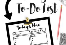 Organizing Mom Life / Checklist, tips and ideas for organizing your home and busy #momlife. Goal setting and productivity tips for work at home moms. Organization tips for busy moms. Get organized and clear the clutter for a happier mom and family!