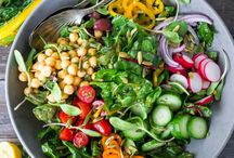Superfood recipes for Pregnancy / Want a healthy pregnancy?Make sure your pregnancy diet includes superfoods! Find recipes that specifically include the best foods for pregnancy. The best healthy foods for pregnant moms to include in your diet. Easier labor with healthy weight gain during pregnancy. Real food recipes, low sugar, low carb, gluten free, paleo and whole 30 approved. Healthy pregnancy meals inspiration!