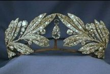 Jewelry: Crowns / by Sharon Powell