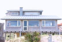 Beach Houses ... / Les photos marquées de mon lien m'appartiennent et ne sont pas libres de droit. Merci donc de bien vouloir mettre mon lien lors de toute utilisation ... http://sunrise.abeachylife.com/