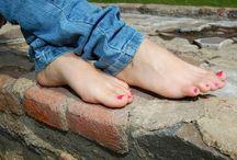 Heels and Feet in Jeans / Schöne Frauenfüße in Heels oder Barfuß, Kombiniert  mit Jeans. Gibt es was schöneres ???