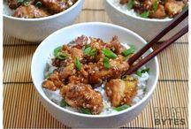 Cuisine asiatique / by Wayatt Earp