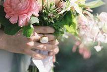 Bukiety ślubne / Kwiaty najlepszą ozdobą Panny Młodej