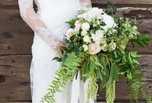 Greenery Wedding Inspiration / One of the major floral wedding trends of 2015: use greenery in your wedding décors and bouquets!