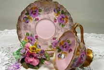 Vintage tea cups / Classic styles your grandmother used