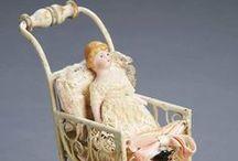Oude poppenhuispopjes